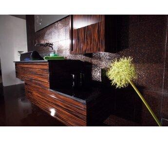 Aqua ארון אמבטיה מעץ מלא